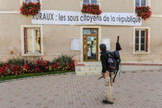 Sylvain Tesson, «Sur les chemins noirs». Compte-rendu.