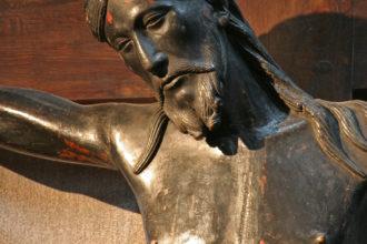 L'authenticité discutée du Christ noir de Saint-Flour : à propos d'un article récent